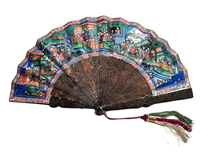 Historic Fan Collection goes under the Hammer