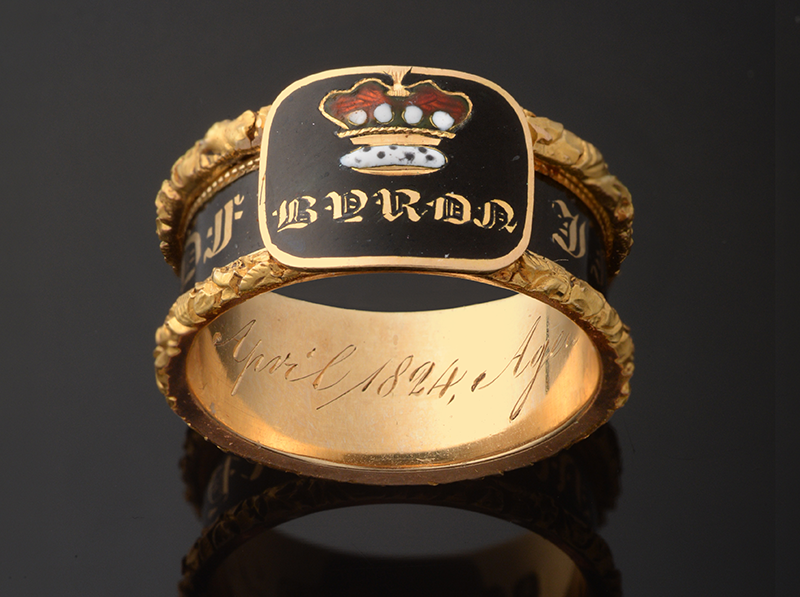 Rare memorial ring for Lord Byron heads for auction